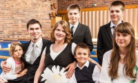 Suurperheen äiti Marika: En painostaisi lapsiani pysymään mormoneina