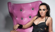 Tamara Ecclestone liikuttuu kyyneliin &ndash; syyn&auml; is&auml;suhde