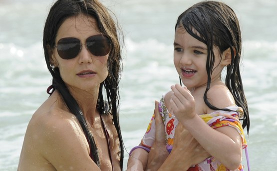 Katie Holmes hankki ammattiapua avioeron takia