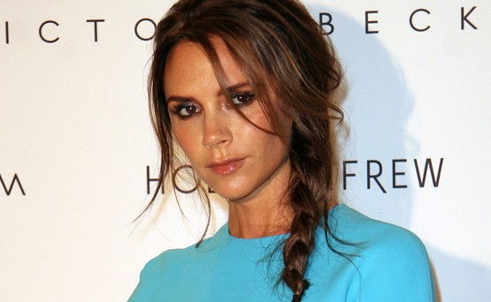 Victoria Beckham esittelee langanlaihaa vartaloaan tyk&ouml;istuvissa asuissa