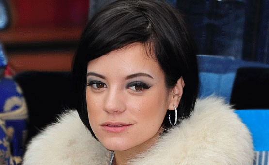 Lily Allen on j&auml;lleen raskaana