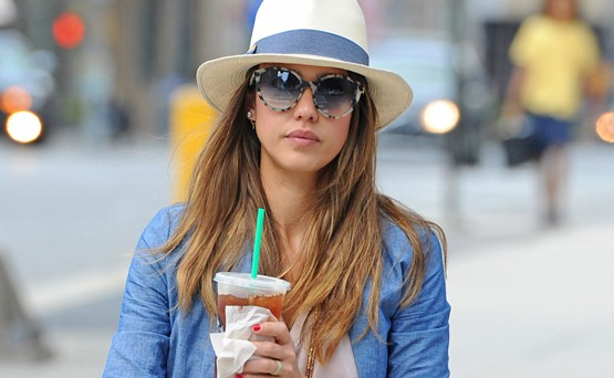 Chic Jessica Alba shoppaili Sohossa